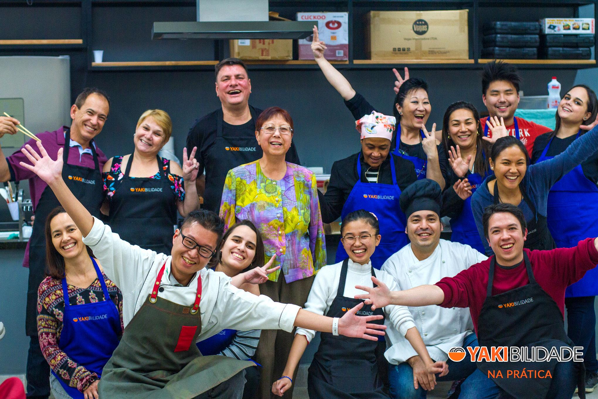 Turma 01 - Curso de Culinária Japonesa Yakibilidade na Prática