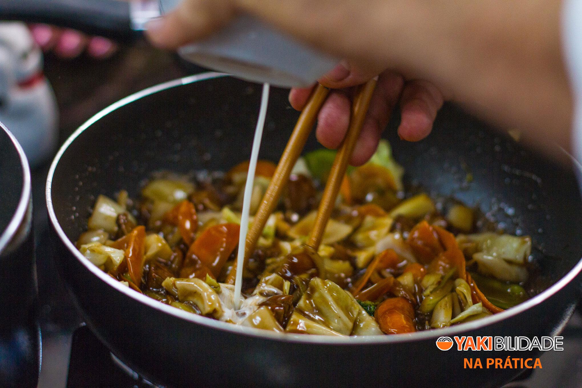 Turma 01 - Curso de Culinária Japonesa Yakibilidade na Prática 01